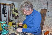 « Je fais tout à la main » | Métiers, emplois et formations dans la filière cuir | Scoop.it