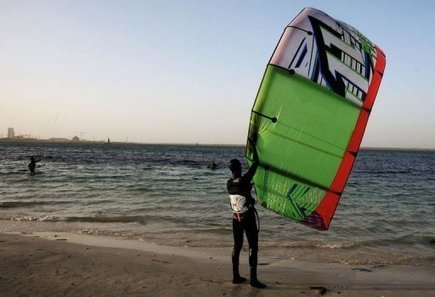 3 Persons Do Kitesurfers ride new winds in Libya & They Are News! 8000 ARE DIE UNDER TORTURE & MEDIA IGNORE! | Saif al Islam | Scoop.it