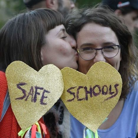 Gay dating Queensland