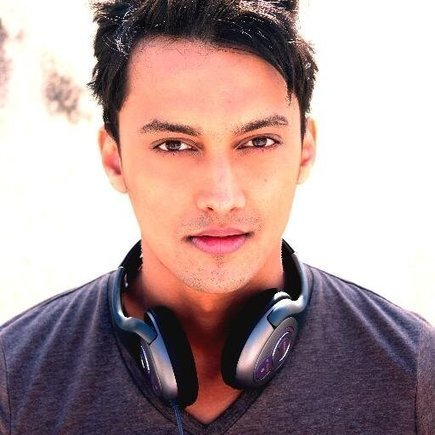 Yeh Kaisi Hai Aashiqui malayalam full movie mp4 download
