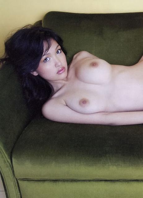 reon-kadena-torrent-topless-video