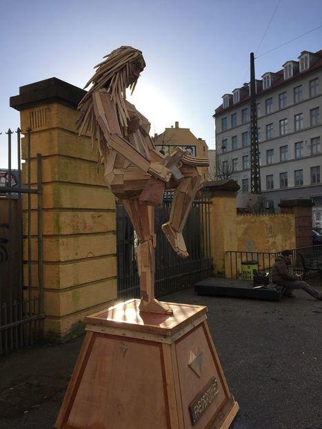 I Create Giant Sculptures From Scrap Wood | Random Ephemera | Scoop.it