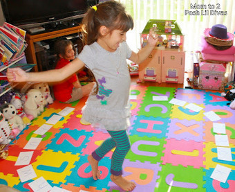 Mom to 2 Posh Lil Divas: Play to Learn: Musical Alphabet Game for Preschool | Literacia no Jardim de Infância | Scoop.it