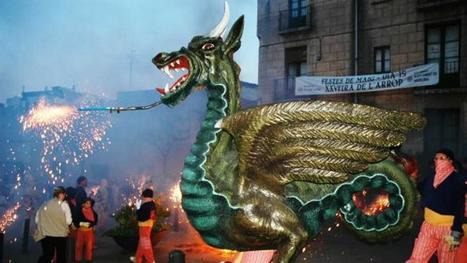 Badalona, sede de la fiesta de las figuras de bestiario popular catalán | Bibliotequesescolars | Scoop.it