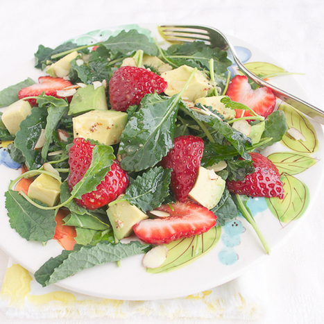 Baby Kale Salad with Strawberry and Avocado - taste love and nourish | Truly Healthy Recipes | Scoop.it