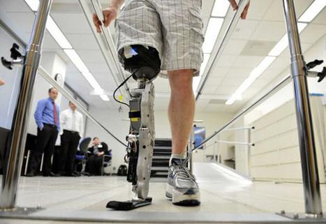 Un homme réussit à monter les marches d'un gratte-ciel avec une jambe bionique | Bots and Drones | Scoop.it