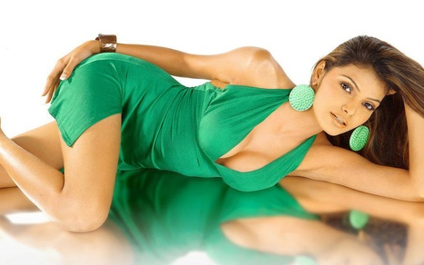 Sherlyn Chopra To Be Featured As Leading Lady In Kama Sutra 3d Bollywood News