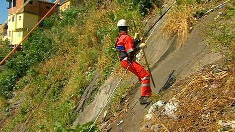 BBC News - Fast Track - Brazil's abseiling rubbish collectors | Brazilianisms | Scoop.it