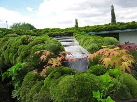 """Enchanting Japanese """"Secret Garden"""" is a Soothing Rooftop Oasis 