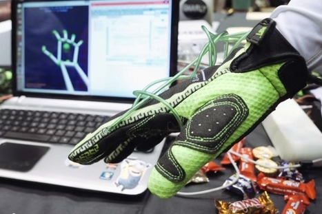 """Hands Omni Is A Glove That Lets The Wearer """"Feel"""" Objects In VR 