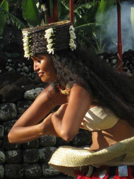 Magnifiques photos faites par Michael Moana Brotherson au marae Arahurahu | TAHITI Le Mag | Scoop.it