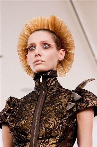 Photos des détails du défilé Julien Fournie Haute Couture automne-hiver 2013-2014   FashionLab   Scoop.it