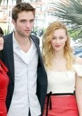 Robert Pattinson Is 'Egoless' Raves His Gorgeous 'Cosmopolis' Wife - Hollywood Life   The Twilight Saga   Scoop.it
