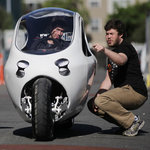 For Some Drivers, Electric Motorcycle Could Be the Best of Both Worlds   cross pond high tech   Scoop.it