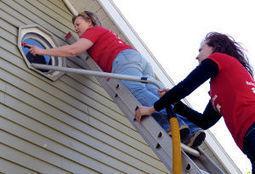 Women at work: Habitat volunteers tackle P-H-H neighborhood project - La Crosse Tribune   Celebrating Women   Scoop.it
