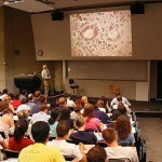 10 Ways Twitter Is Reinventing the College Lecture - Online Universities | 2012 - a sprint not a marathon | Scoop.it