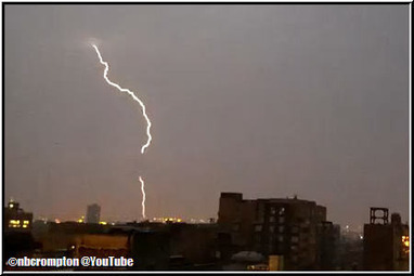 Cloaked UFO Blocks Lightning over Philly (Video) | Weird News and Celebrity Gossip by Tom Rose | Scoop.it