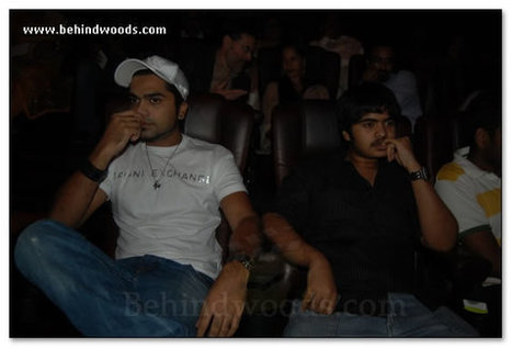 Slumdog Millionaire full movie free download hd 720p torrent