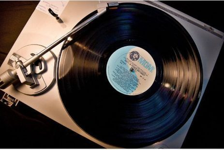 The rise of vinyl and why records sound 'warm'   Toronto Star   Music Industry News   Scoop.it