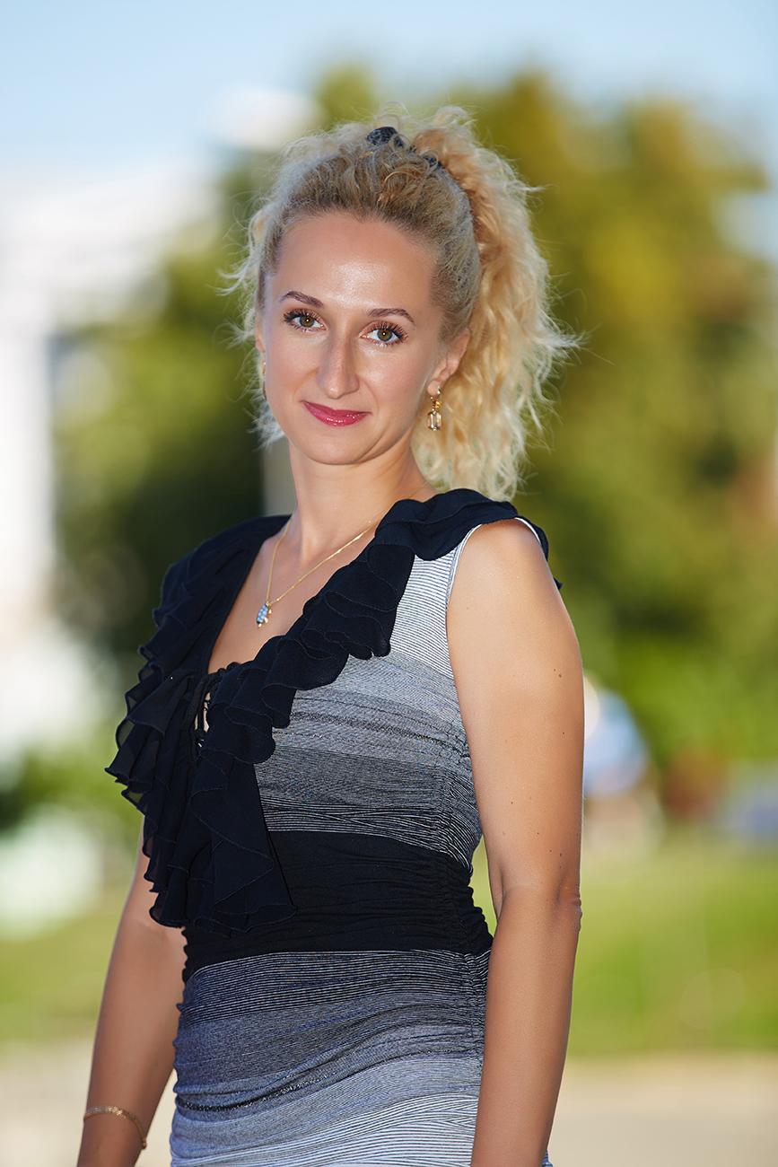 Rencontrer une jeune femme russe ou ukrainienne Montr al