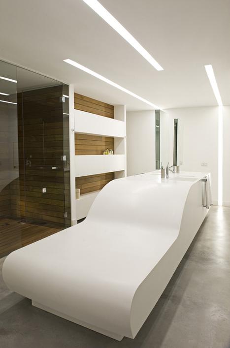 Loft blanc à Bordeaux - CôtéMaison.fr | mobilier salle de bain | Scoop.it