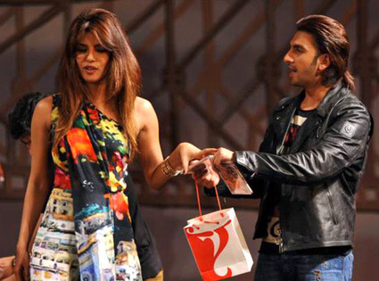 Bollywood Star Priyanka Chopra Angry with her Gunday co-star Ranveer Singh | Bollywood Celebrities News, Photos and Gossips | Scoop.it