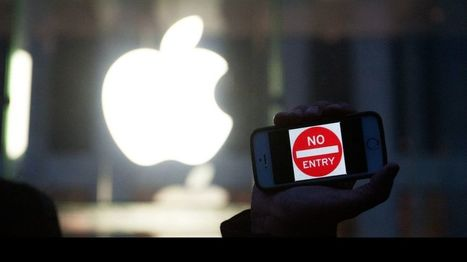 Apple boss Tim Cook hits back at FBI investigation - BBC News | Human rights | Scoop.it