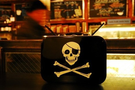 "Piratebox, ou comment échapper au Big Brother de l'Internet | ""Privé de Salaire"" 