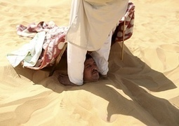 Some like it hot: Egypt's sand baths – in pictures. People with rheumatism, joint pain or infertility lie buried neck-deep in the sand | Nubia; daily life and cultural heritage | Scoop.it