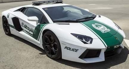 La police de Dubaï va patrouiller en... Lamborghini   Mais n'importe quoi !   Scoop.it
