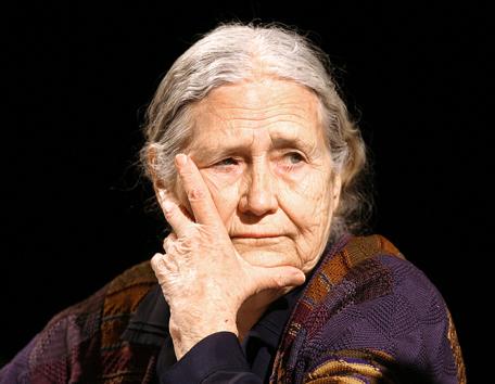 Doris Lessing, mort d'une conteuse épique et radicale | Merveilles - Marvels | Scoop.it