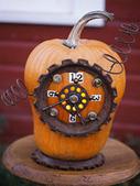 Use Junk to Create Unique Halloween Pumpkins | Halloween | Scoop.it