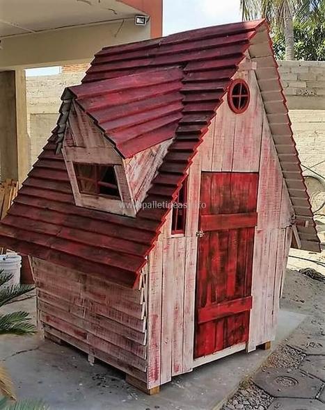 DIY Recycled Wood Pallet Kids Playhouse Plan