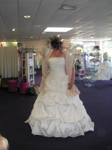 robe de marie couleur ivoire taille 48 50 point mariage - Point Mariage Perpignan