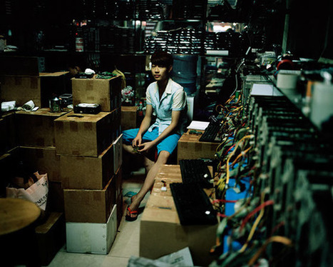 The Bit Rot Project: Photographer tackles e-waste | Greening the Media Ecosystem | Scoop.it