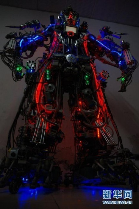 Chinese DIY Wiz Builds His Very Own Scrap-Part Robot   Strange days indeed...   Scoop.it