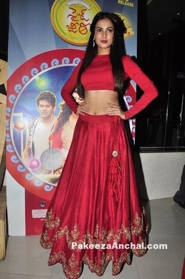 Jayanthi reddy clothing online