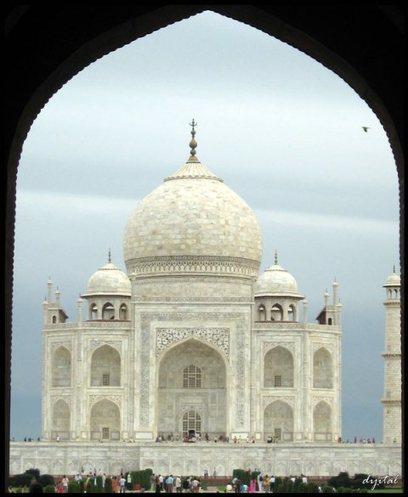 30 Beautiful Examples of Taj Mahal Photography | DezineGuide | Everything Photographic | Scoop.it