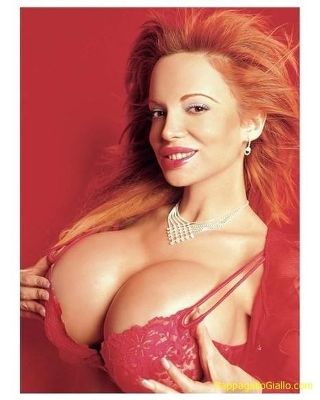 Il seno più grande del mondo - PappagalloGiallo.com | RAGAZZE | Scoop.it