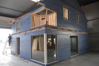 Mariembourg des maisons en bois r volut for Algeco maison