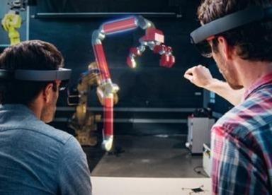 Microsoft HoloLens: 10 Ways It Has Evolved  - InformationWeek | Creativity & Innovation | Scoop.it
