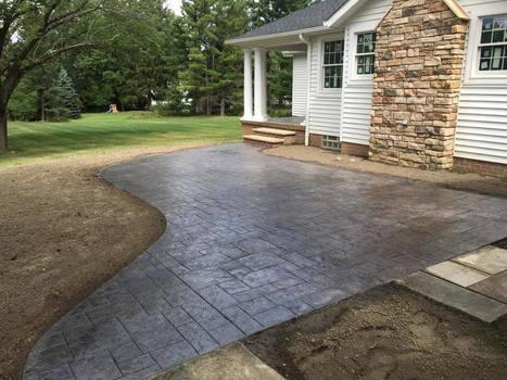 5 Simple Stamped Concrete Patio Design Ideas