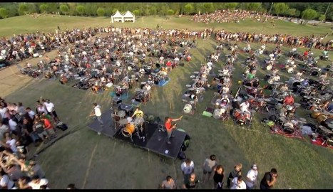 1000 Musicians Simultaneously Perform 'Learn To Fly' to Persuade the Foo Fighters to Play Concert in Italy   Irma's Inspirations   Scoop.it