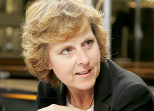 EU Climate Chief Adds Voice to Fossil Fuel Divestment Movement | EcoWatch | Scoop.it