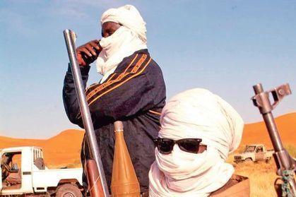 Forze speciali francesi formano le truppe CEDEAO per l'intervento in Mali.   Au Mali entre Développement et Guerre   Scoop.it