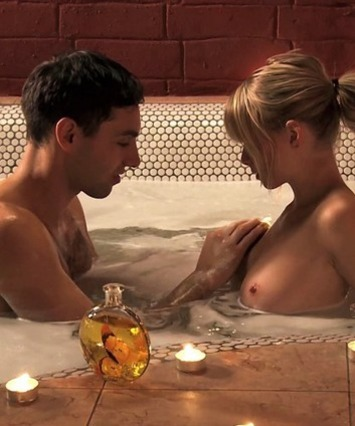 """Romance In The Tub... Where Will It """"End"""" Up? 