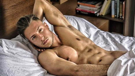 sexe gay pas de préservatif gros seins noirs photos