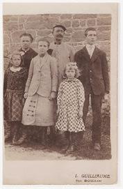jeunes et généalogie: Une vieille photo sur une étagère | Rhit Genealogie | Scoop.it