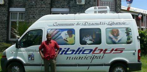 Le bibliobus de Dzaoudzi-Labattoir à Mayotte – La bibliothèque roule vers ses lecteurs et les résultats sont là ! | Monde des bibliothèques | Scoop.it