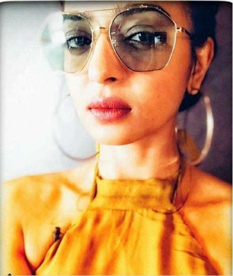0f90758351 Navigator Style Sunglasses for Men   Women ...
